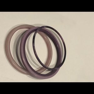 Jewelry - Vintage purple plastic bangles 3pc